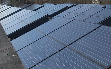 Solcelleanlæg på flade tage