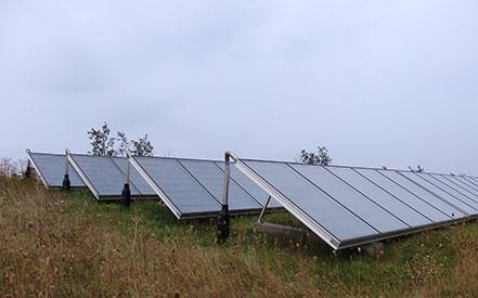 CO2 neutralt solfangeranlæg på terræn